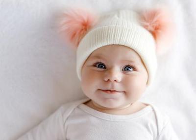 Tidak sedikit orang renta yang ingin anaknya mempunyai nama yang tidak biasa Nama Bayi Perempuan Unik dan Cantik Dengan Artinya Dari A-Z