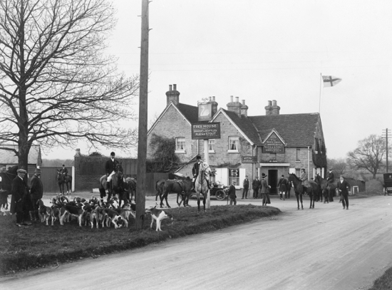 Photograph of The Swan, Bell Bar c1900