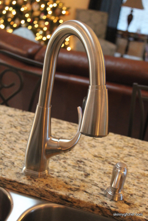 Pfister Selia Stainless Steel 1-Handle Pull Down Faucet is incredible!