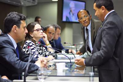 Projetos de Lei da CMCG sobre acessibilidade serão implantados no Maior São João do Mundo