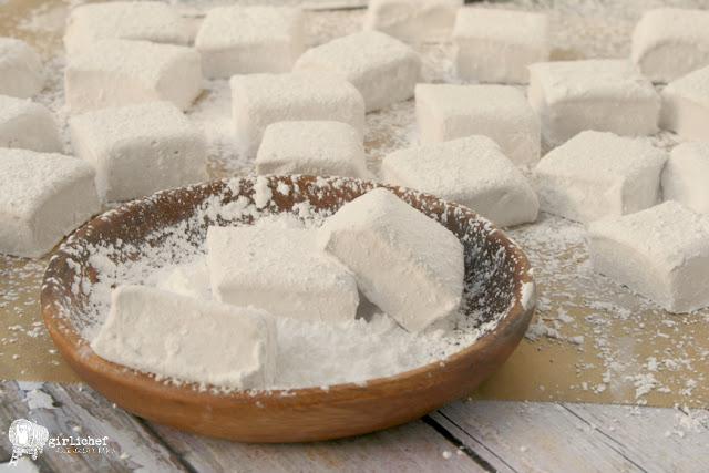 Boozy Raspberry Marshmallows (Chambord Marshmallows)