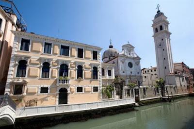 Τι συμβαίνει στη Βενετία;