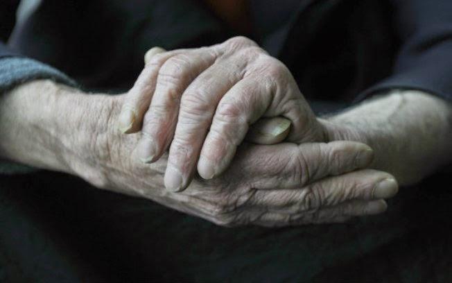 Diabetes, pressão alta e tabagismo aumentam risco de Alzheimer, diz estudo