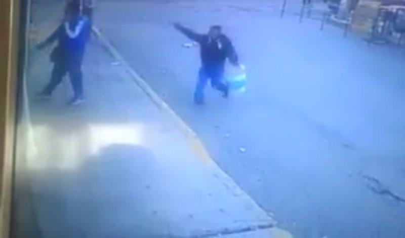 Se disfraza de vendedor de dulces para ejecutar a comandante de policía en Ecatepec