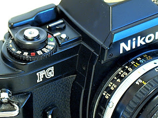 Nikon FG, Top detail