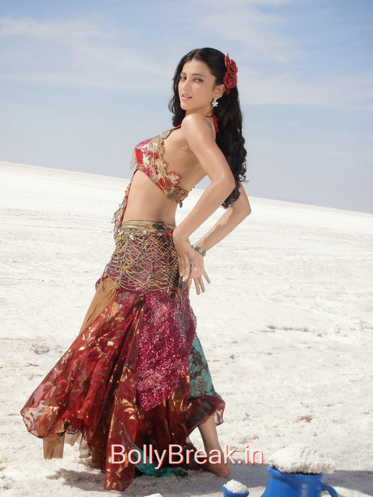 [IMG] [/IMG],  Shruti Hassan Hot HD Still From Song Shooting