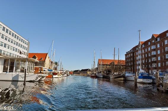 Vista de Copenhabgue desde el canal