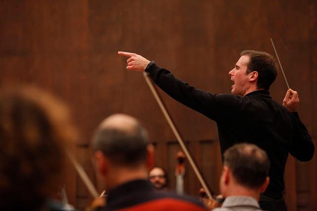 (R)Evolucija simfonije u Filharmoniji