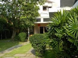 Atina Homestay, Hotel Murah dengan Fasilitas Meriah