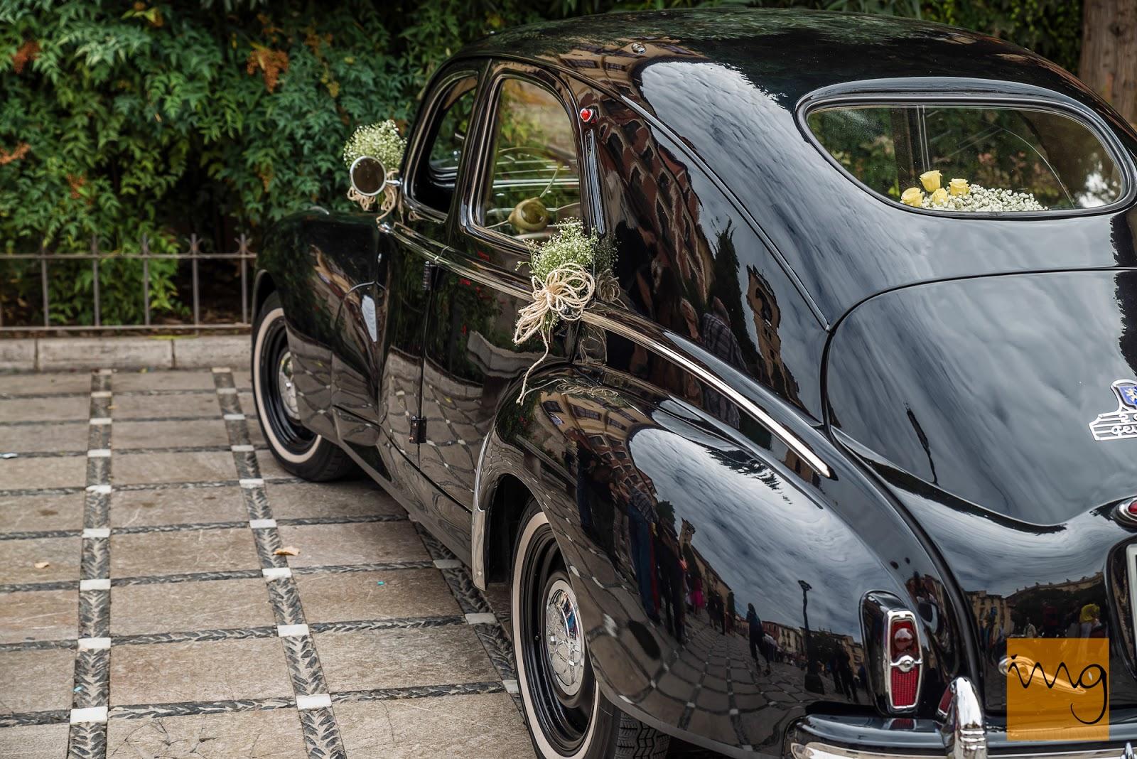 Fotografía de boda en Granada, El coche nupcial.