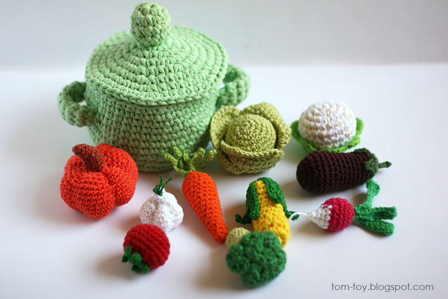 Crochet play food vegetables and pot