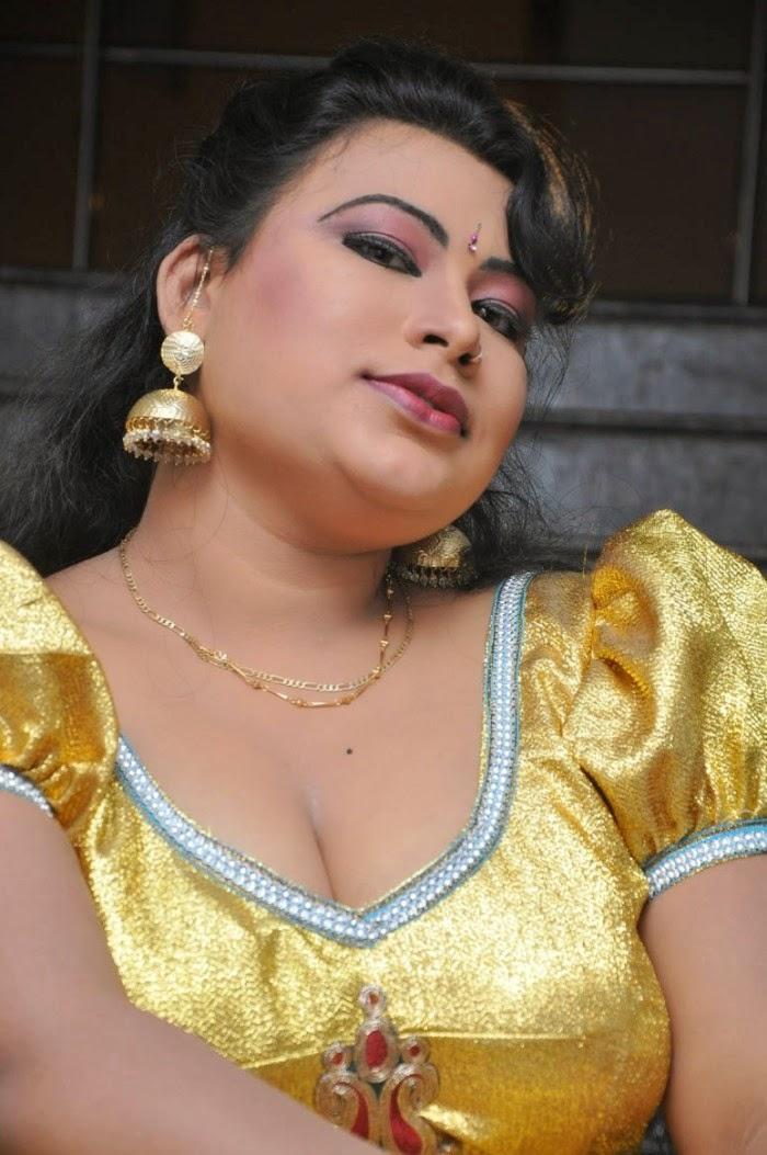 Telugu amma boobs pics can