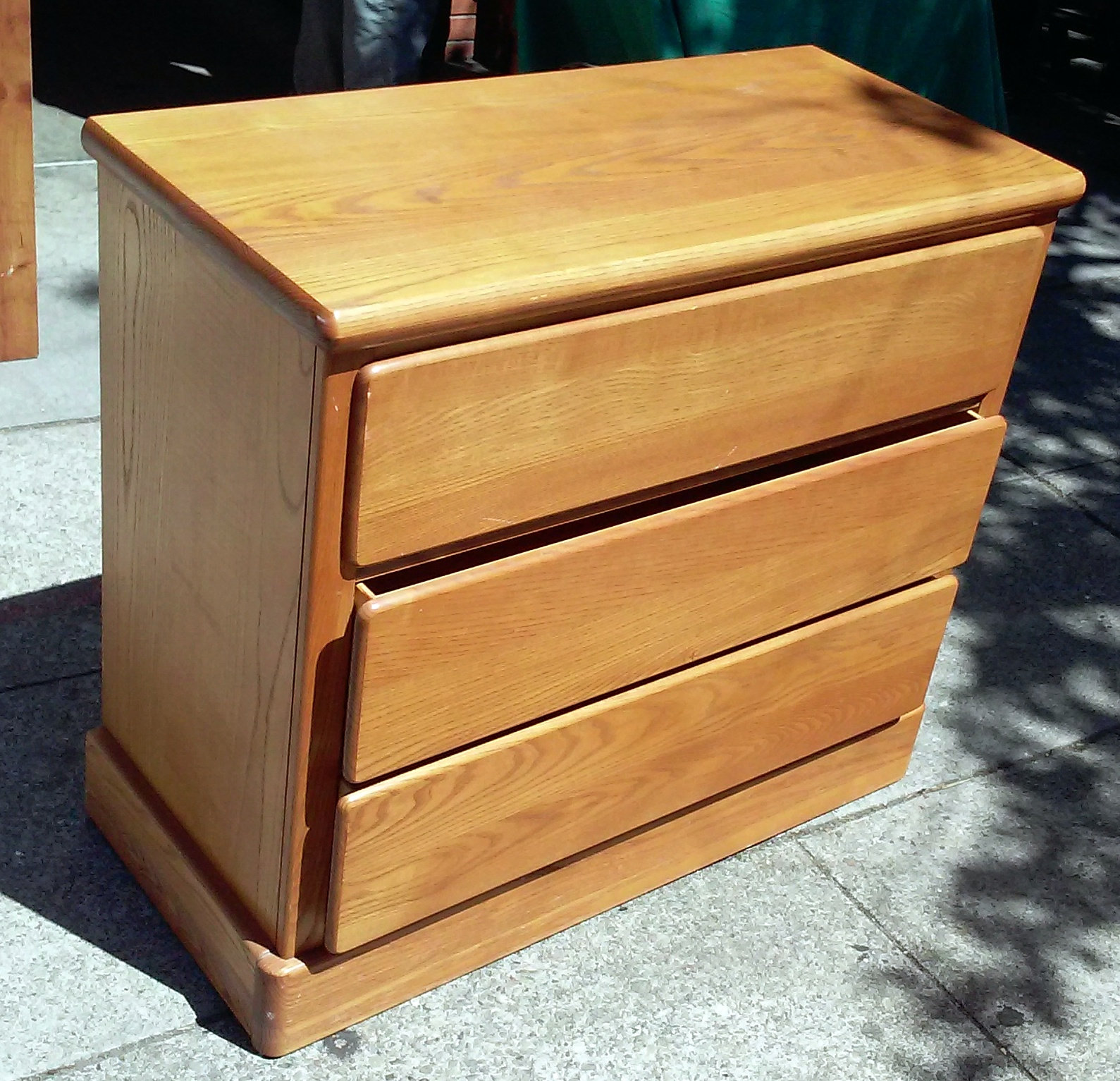 Uhuru Furniture Collectibles Sold 2177 Little Folks 3 Drawer Oak Dresser 70