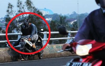 Hasil carian imej untuk Berzina Di Jalan-Jalan. Mengapa?