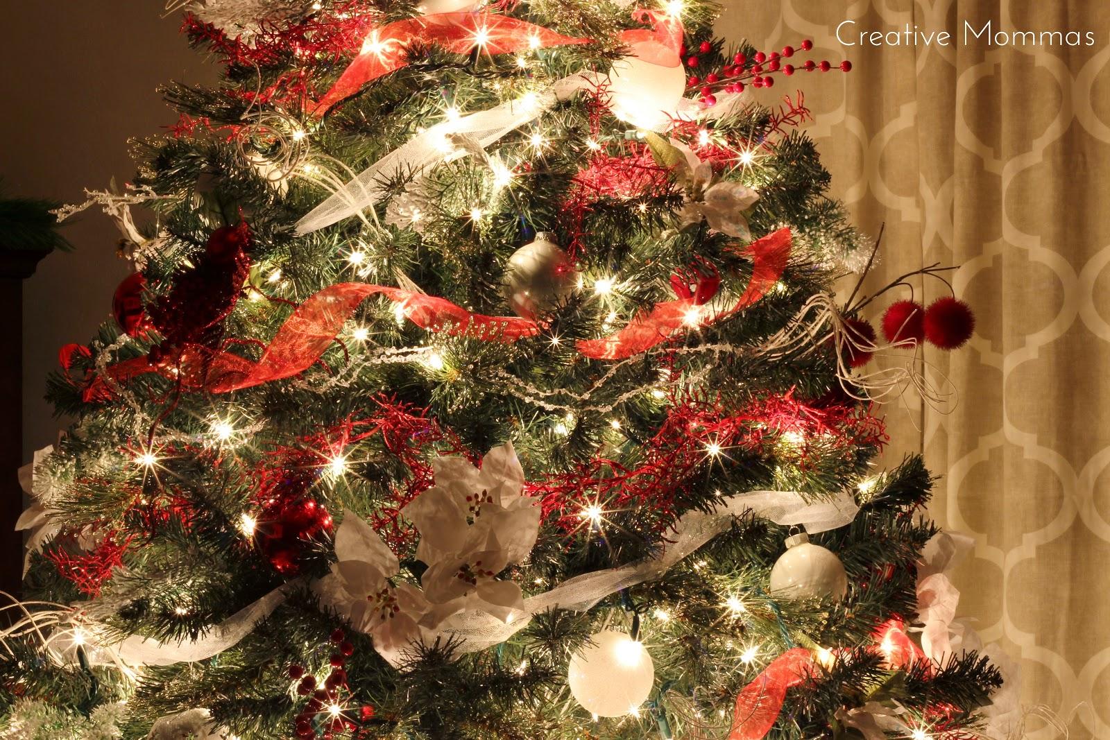 Creative Mommas: Red & White Christmas Tree