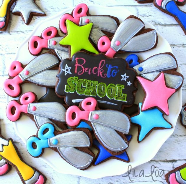 Learn how to decorate sugar cookies for back to school fun!