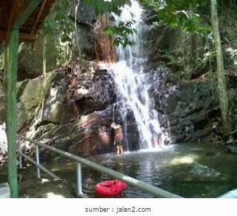 081210999347, paket wisata bintan lagoi kepri, air terjun gunung bintan