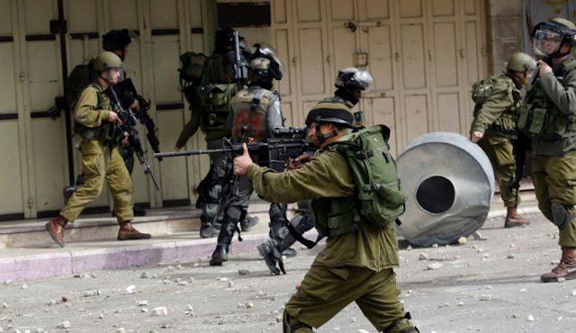 membebaskan Al Quds