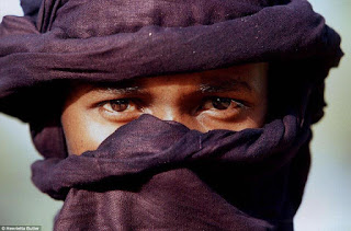 قبائل الطوارق التي تعيش في الصحراء الكبرى