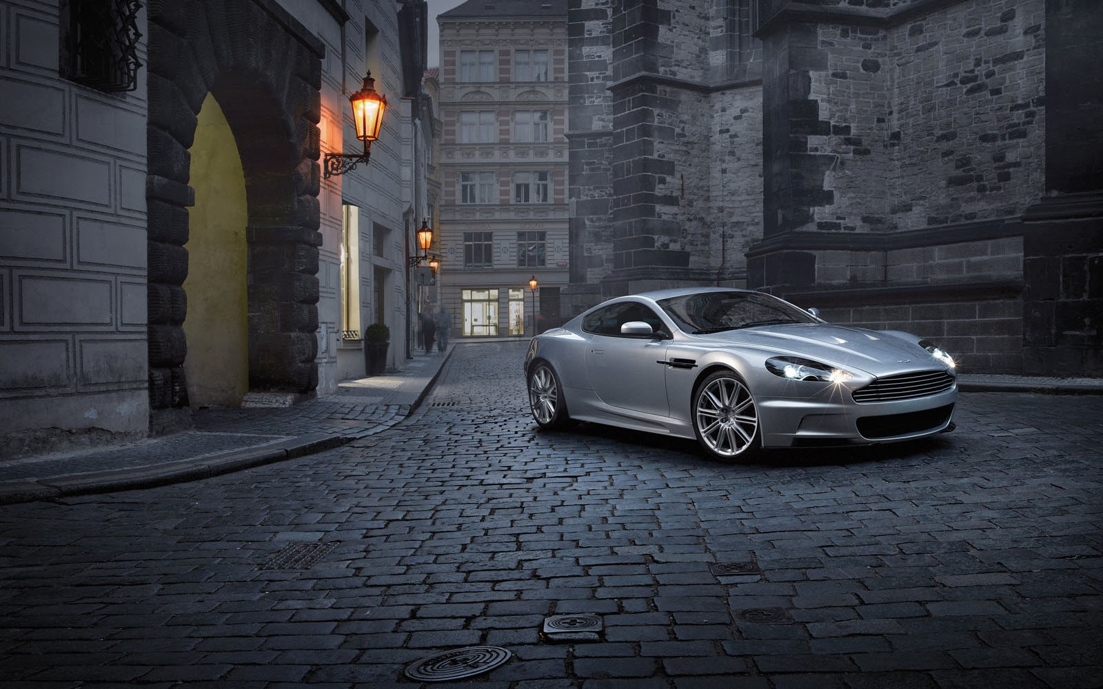 Free 3D Wallpapers Download: Aston Martin DBS Wallpapers