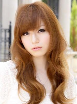 Rambut Panjang Pirang Cantik