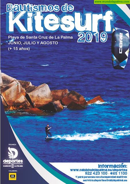 El Servicio de Deportes del Cabildo organiza por primera vez bautismos de kitesurf