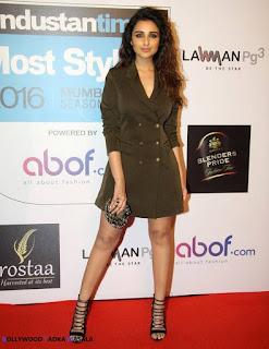 Parineeti Chopra in a Stylish Short Dress at HT Most Stylish Awards Mumbai 2016