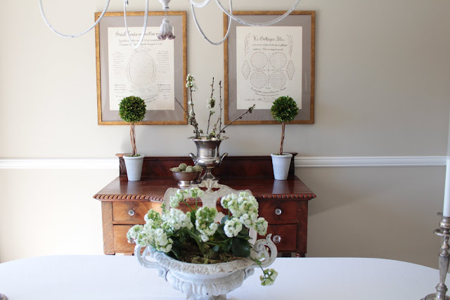 spring-tour-french-urn white flowers cherry blossoms dining room