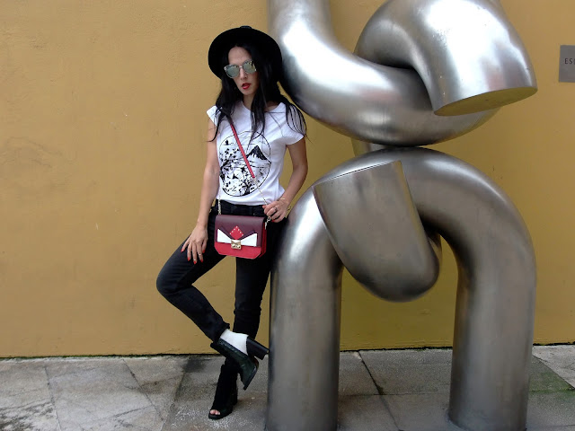 fashion, moda, look, outfit, blog, blogger, walking, penny, lane, style, streetstyle, estilo, trendy, chic, casual, cool, rock, jeans, hat, sombrero, tendencias, simply, shoes, zara, mango, hym, model, photo, art, arte, escultura, sculpture, aviles