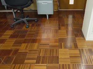 弊社事務所の床にも使われているクメアパーケット