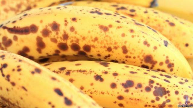 Resultado de imagen para Qué le sucede al cuerpo después de comer plátanos con manchas negras INCREIBLE!
