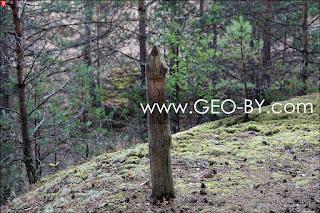 Рудня Налибокская. Столб на краю обрыва