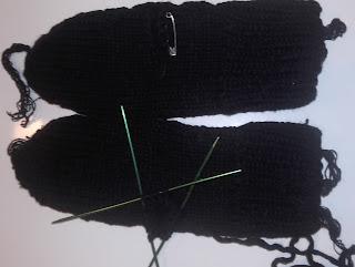 rękawiczki na drutach z jednym palcem krok po kroku