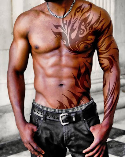 Melhor tatuagem tribal ideia para os homens no peito e braço