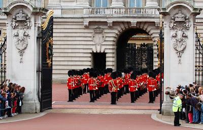 Buckingham Sarayı Nöbet Töreni