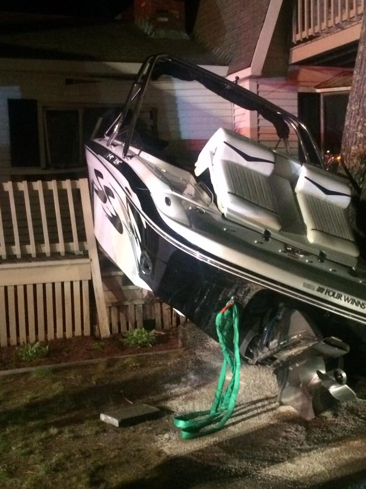 MEC&F Expert Engineers : a stolen boat crashed into the home