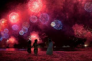 Qual é a origem dos rituais de Ano Novo no Brasil?