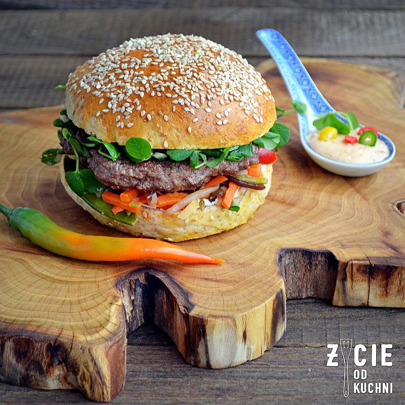 burger orientalny, burger, wolowina, zycie od kuchni