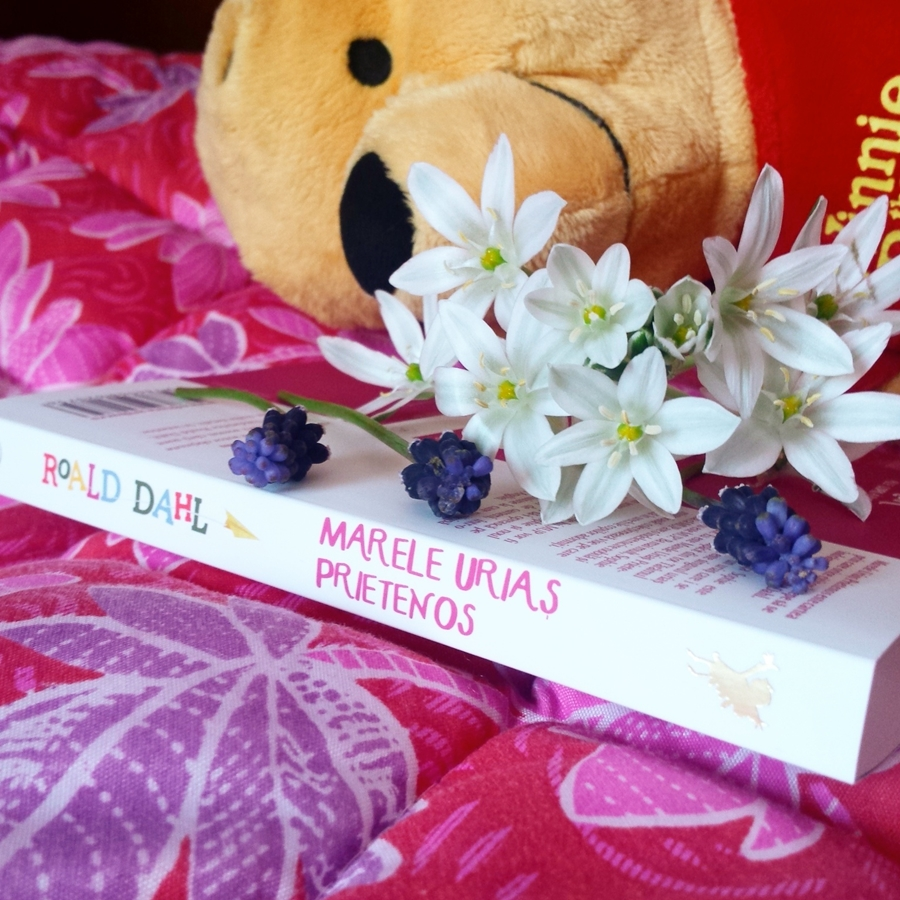 cotor carte marele urias prietenos roald dahl flori
