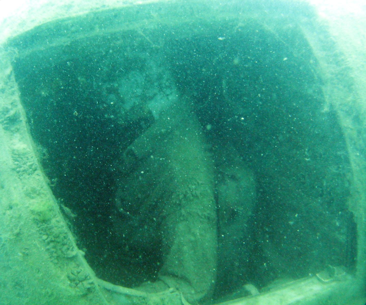 22 Photographs Cataloging the Edmund Fitzgerald Disaster ...  |Edmund Fitzgerald Crew Remains