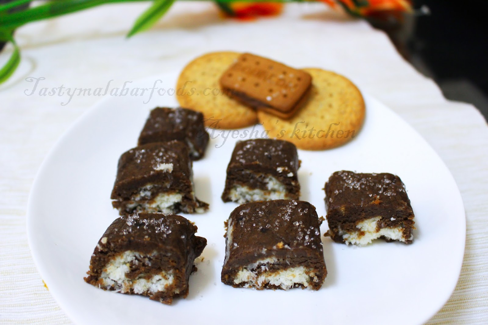 A Very Easy Quick And Delicious Chocolate Roll With Few Ingredients Do Try Enjoy Your Kids