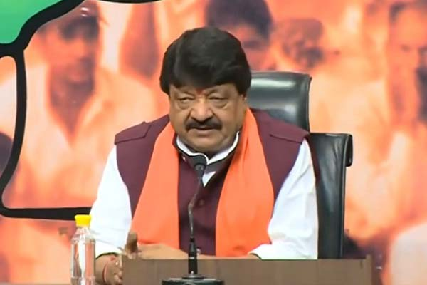 bjp-murdabad-slogan-raised-in-font-of-kailash-vijayvargeey-in-karnal