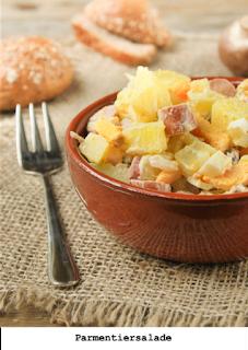 Aardappellen, kastanje champignons, frankfurters, eieren, mayonaise
