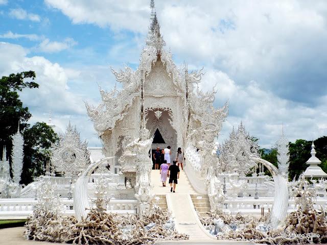 TEMPLO BLANCO WAT RONG KHUN. CHIANG RAI, TAILANDIA