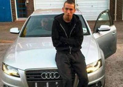 Dean Fallow, 20, postou imagens de carrões roubados em seu perfil no Facebook e foi preso