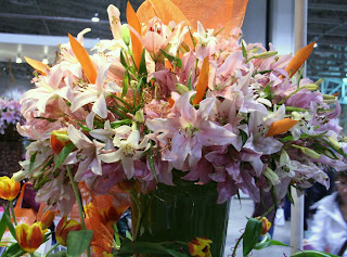 Lilies, Easter's traditional flower :: All Pretty Things