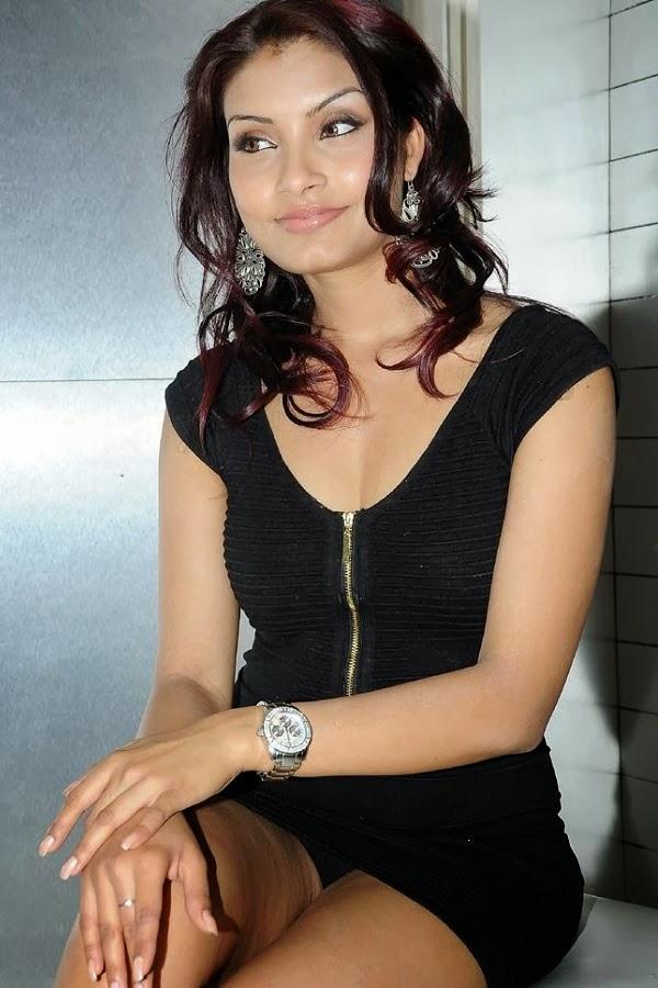 College Wallpaper Girl Indian Beauties Rehana