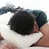 Hot Dudes in Beds: Το Instagram Account που έχει προκαλέσει πανικό στον γυναικείο πληθυσμό