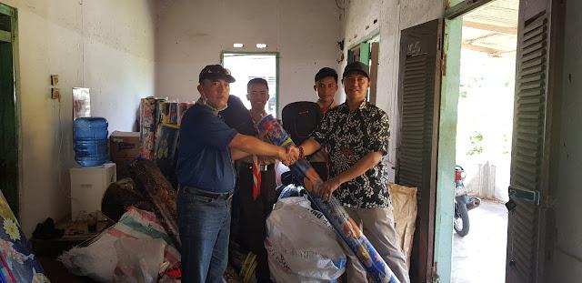 Bumbung Kemanusiaan Pramuka Lambar untuk Korban Tsunami Lamsel