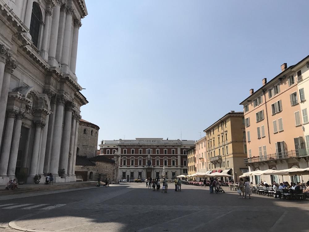 Piazza Paolo VI, Brescia, Pohjois-Italia